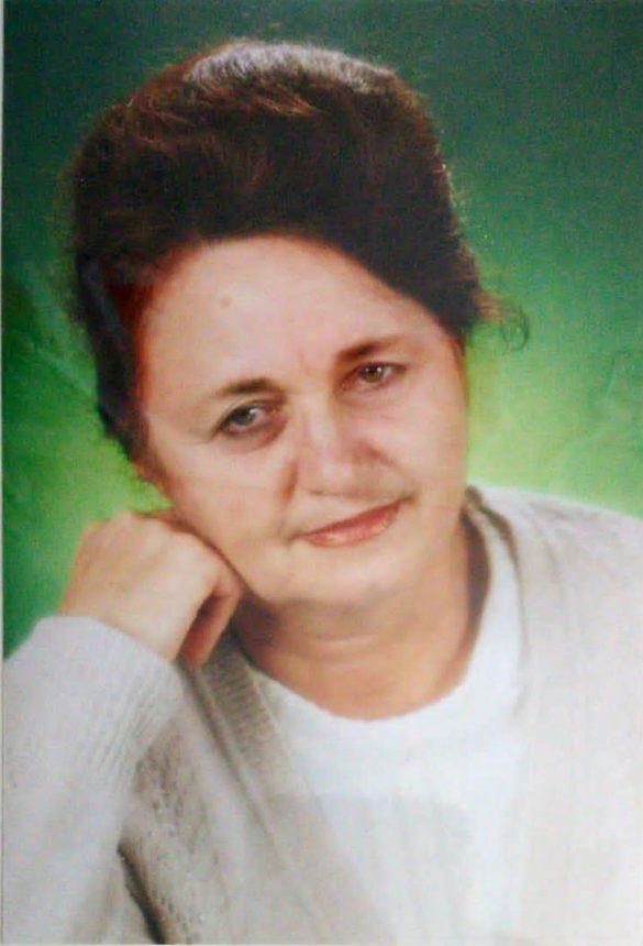 Лесникова Елена Ивановна, директор школы, учитель химии